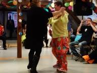 tanzende Geburtstagskinder